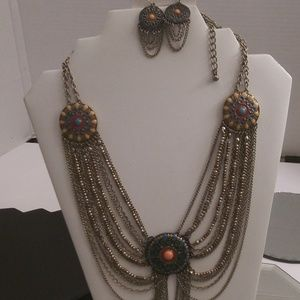 NWT BEAUTIFUL EARRINGS, NECKLACE AND BRACELET